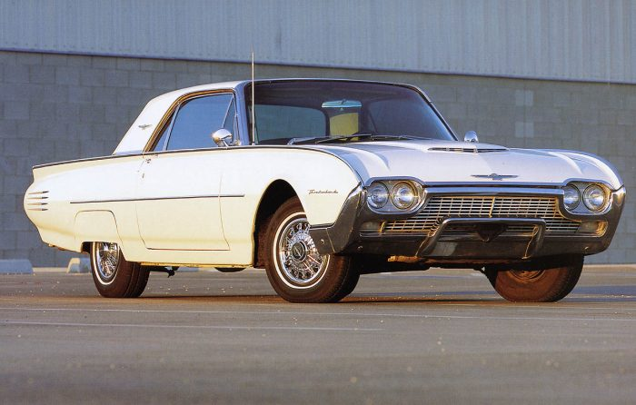 1961-ford-thunderbird-700x446
